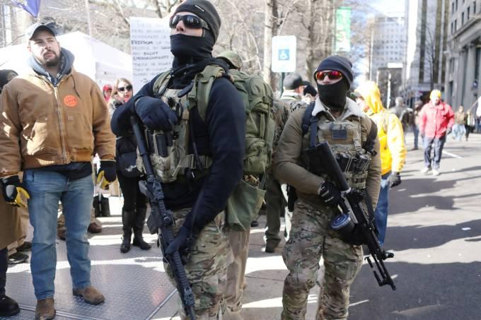 Milhares de ativistas pró armas participam de protestos nos Estados Unidos